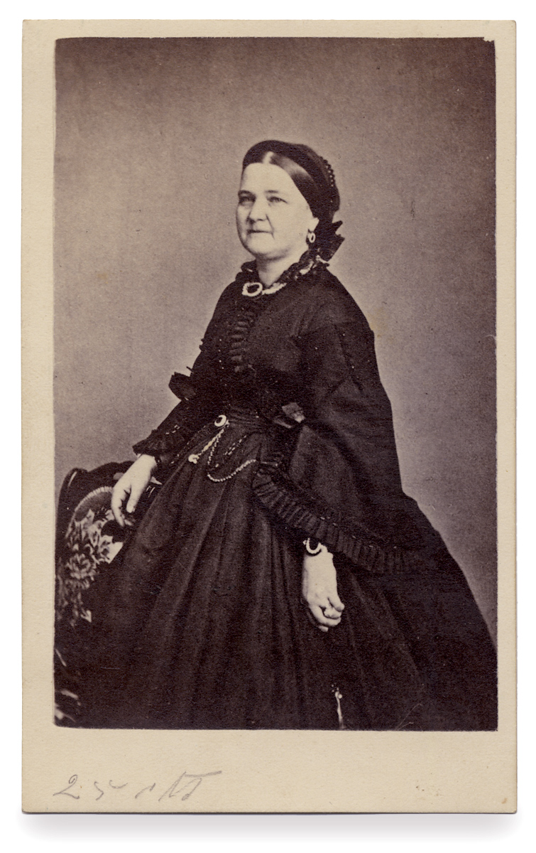 Carte De Visite Photograph Of First Lady Mary Todd Lincoln