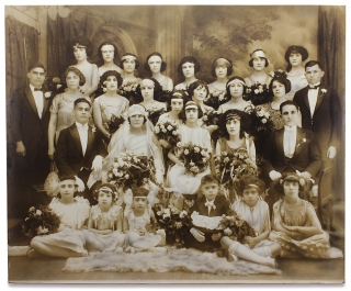 [Mammoth Photograph of an American Bridal Party]. Unkwn.